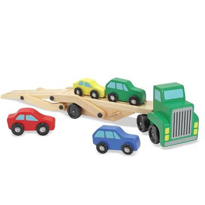 Camión con coches de madera